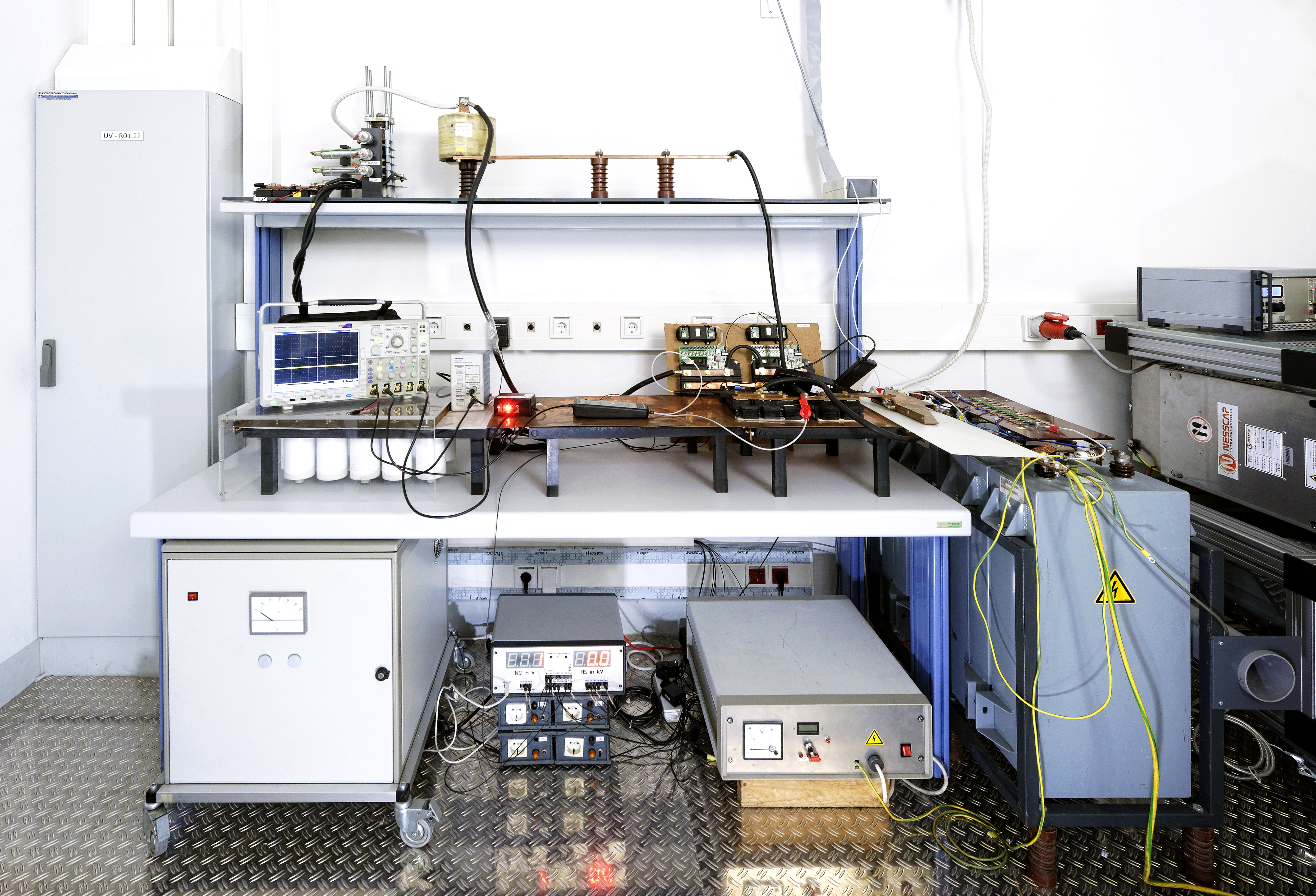 Test Bench for Power-Electronic Devices